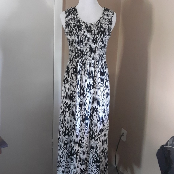 Kim Rogers Dresses & Skirts - Kim Rogers petite maxi dress size PS